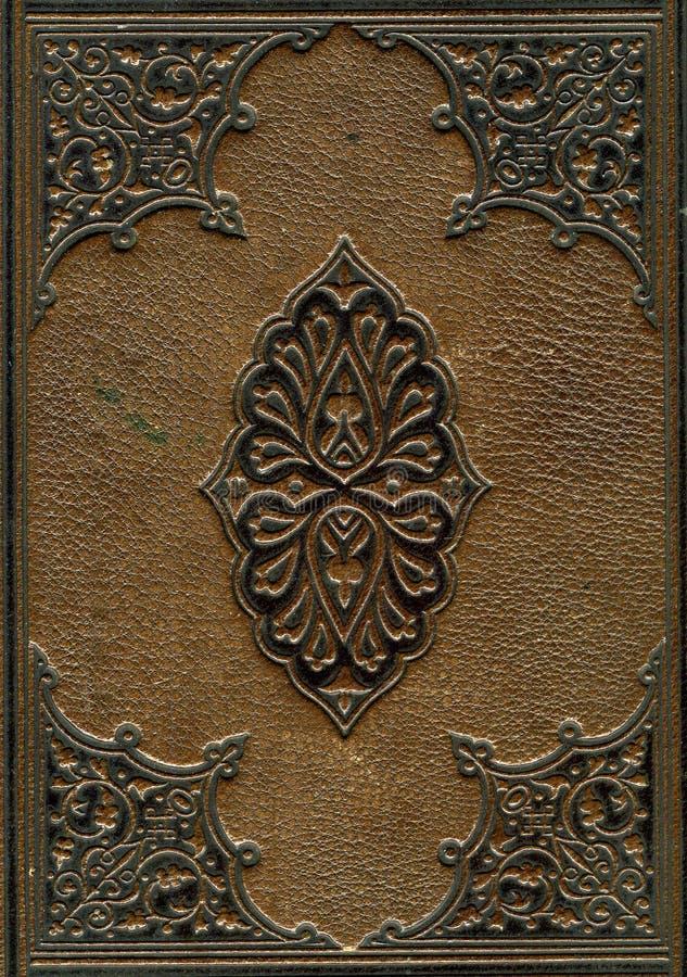 A Bíblia encadernada do couro velho imagens de stock