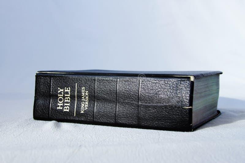 A Bíblia Sagrada do rei James fotografia de stock