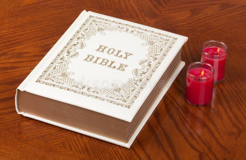 A Bíblia santamente foto de stock royalty free