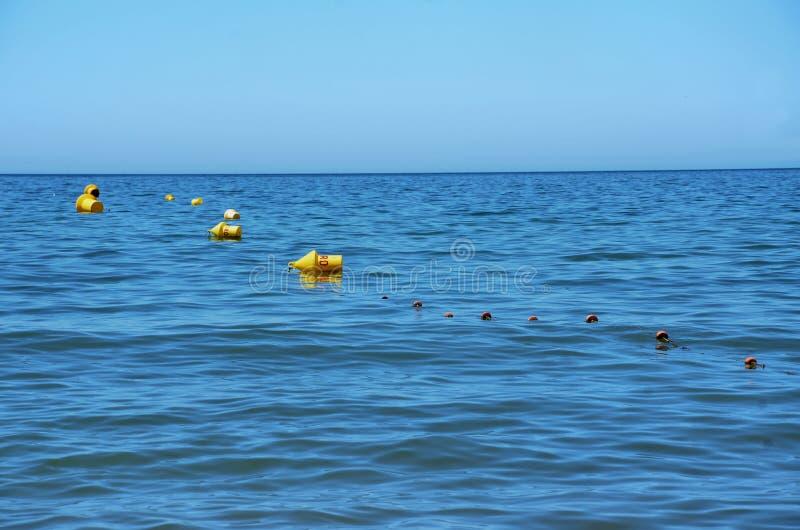 Download Bóias amarelas imagem de stock. Imagem de corda, bóia - 26517627