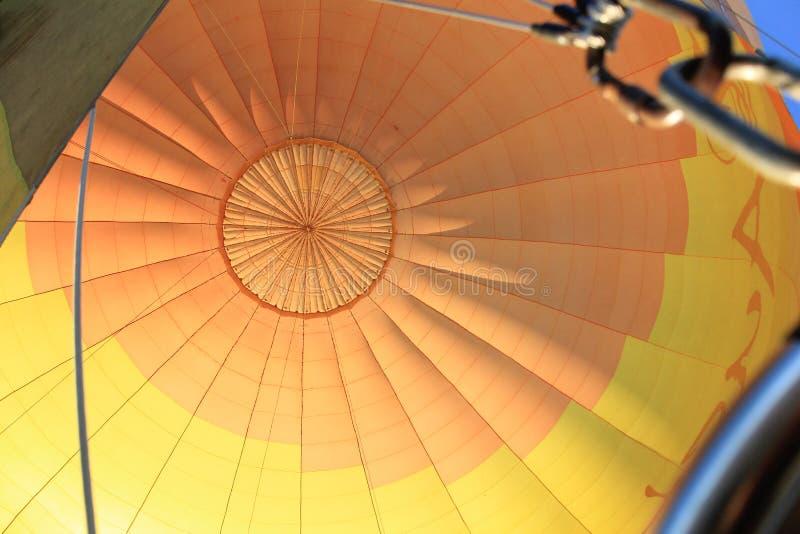 Bóveda colorida de la tela del globo del aire caliente foto de archivo