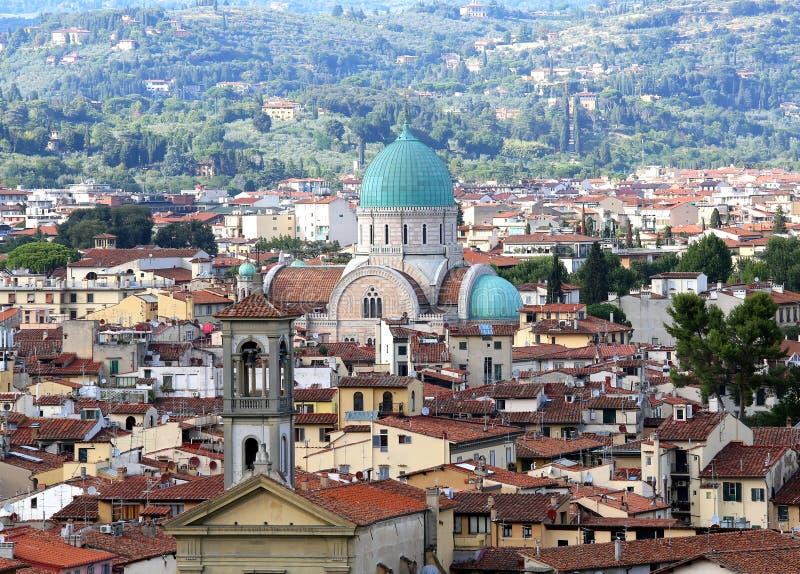 Bóveda de Florence Italy de la sinagoga y de un chruch imagenes de archivo