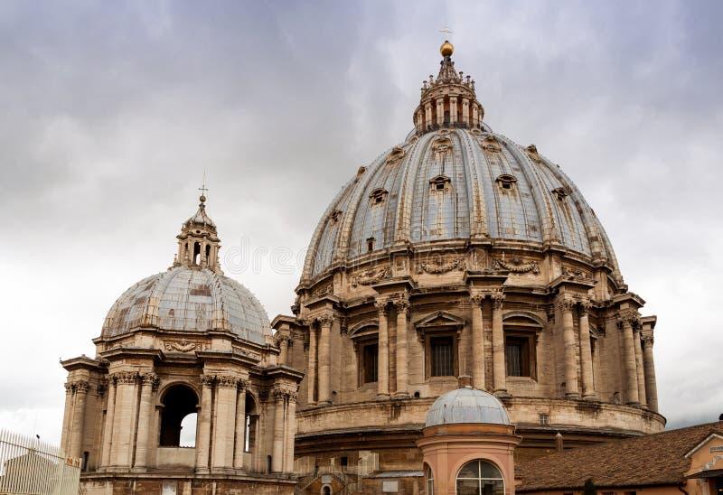 Bóveda de la basílica de St Peters, Vaticano fotografía de archivo