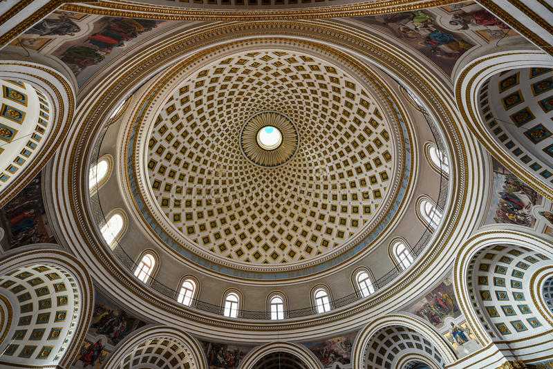 Bóveda de la Rotonda Mosta Malta fotos de archivo