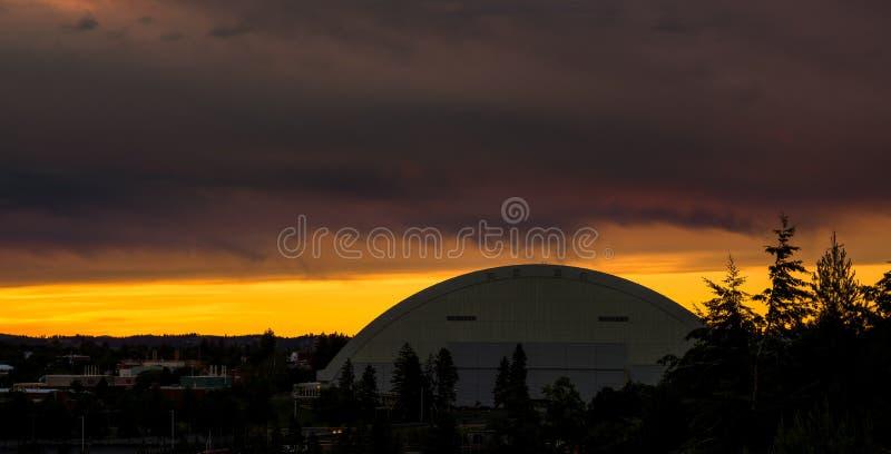 Bóveda del fútbol de Moscú Idaho en la salida del sol foto de archivo libre de regalías