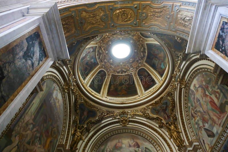 Bóveda interior de St Peter Basilica, Vaticano fotografía de archivo libre de regalías