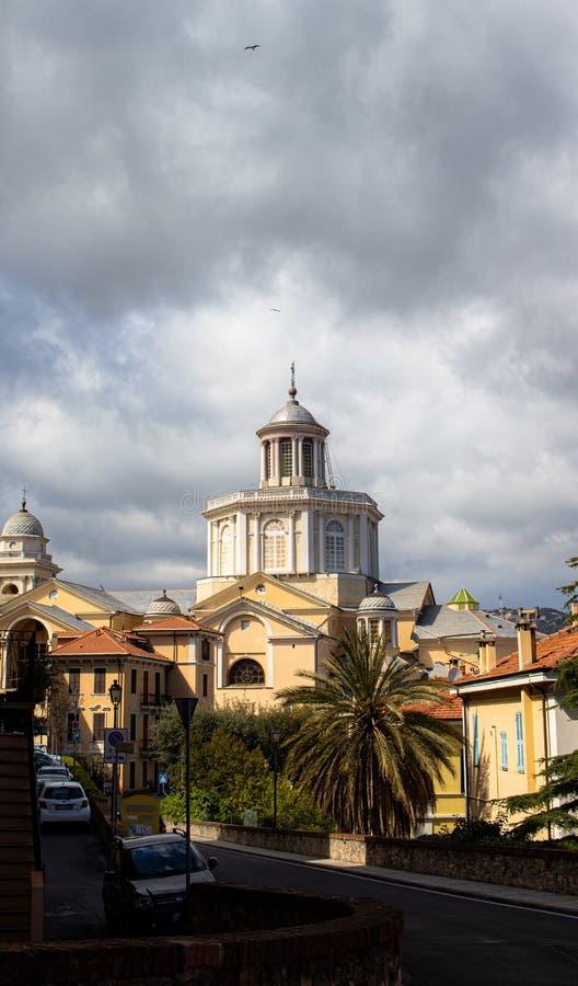 Bóveda Oporto Mauricio en la provincia de Imperia fotos de archivo