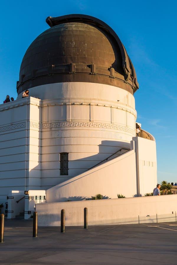 Bóveda que contiene el telescopio de Zeiss en Griffith Observatory imagen de archivo