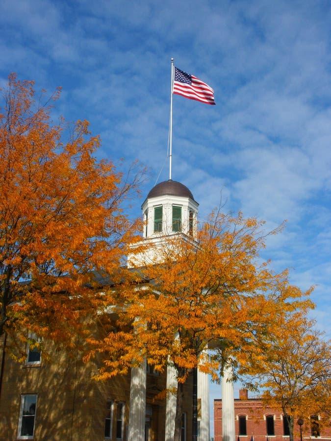 Bóveda señalada por medio de una bandera fotografía de archivo