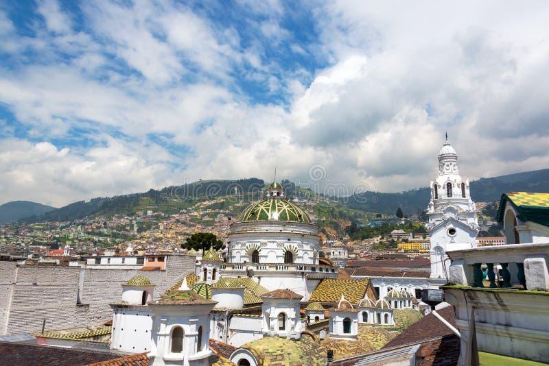 Bóveda y chapitel de la catedral de Quito imagen de archivo libre de regalías