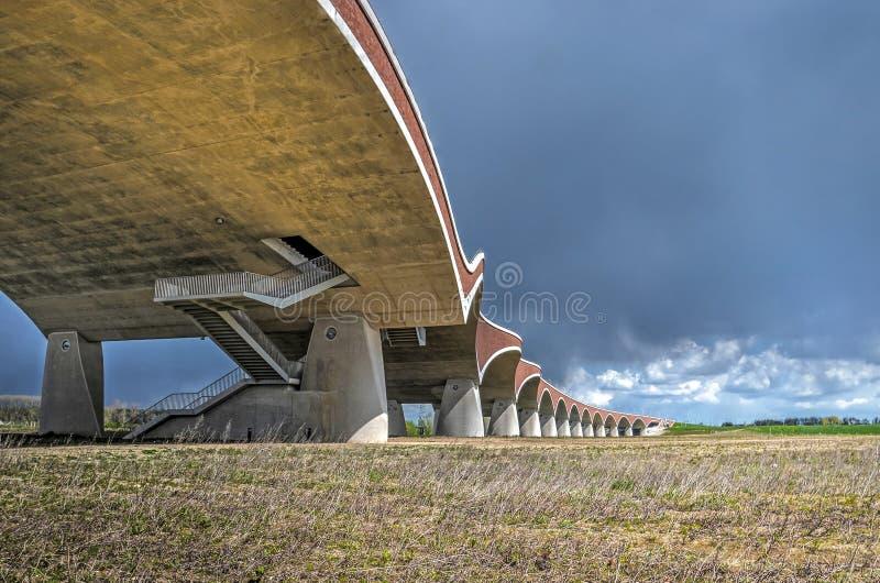 Bögen der Brücke De Oversteek würdevoll kurven lizenzfreies stockfoto