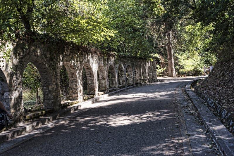 Bögen im Boden des Montag-Ruhe-Palastes in Korfu Griechenland stockfoto