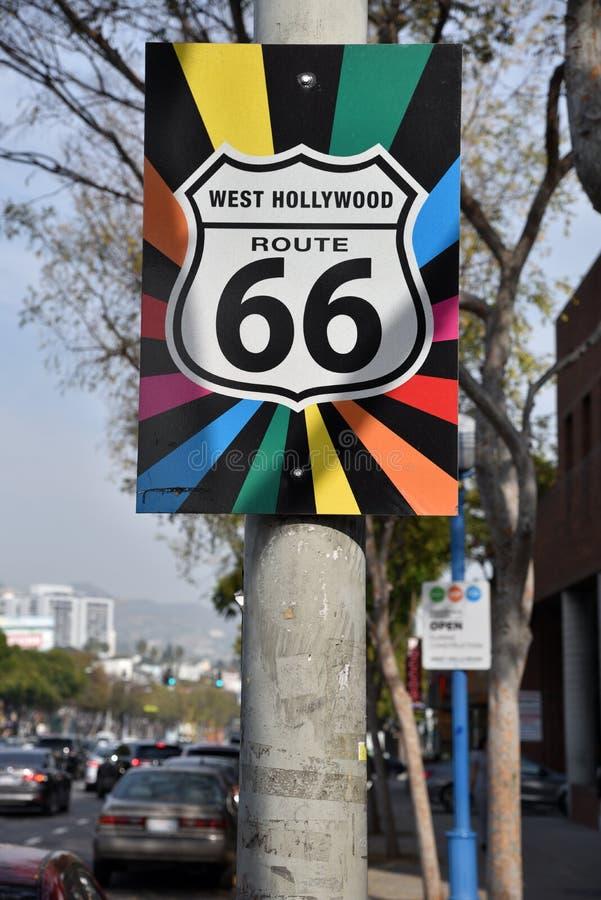 Bögen Pride Route 66 undertecknar in West Hollywood royaltyfri bild