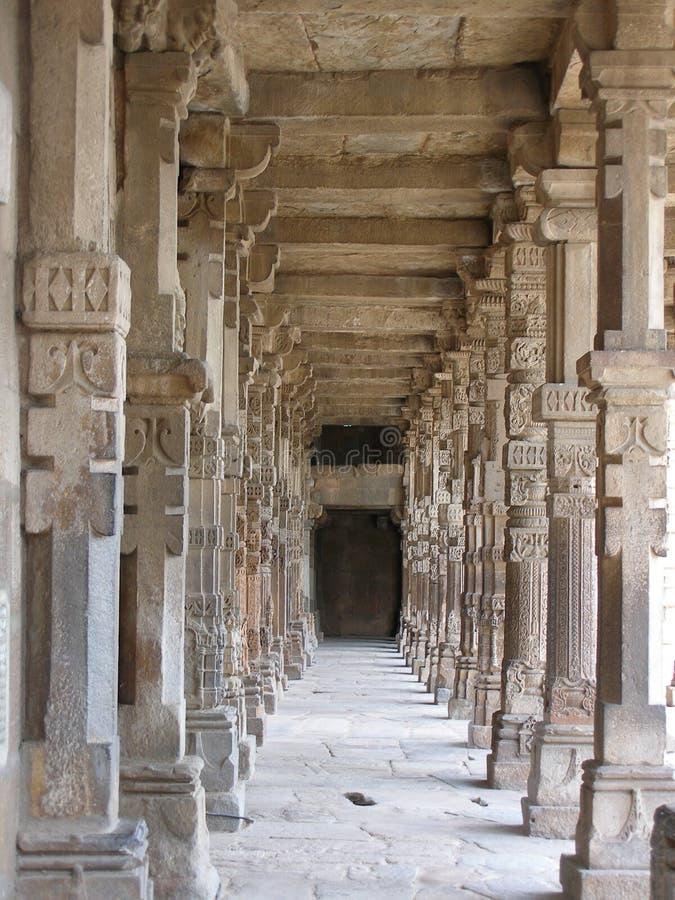 Bögen, Qutab Minar, Neu-Delhi lizenzfreies stockbild