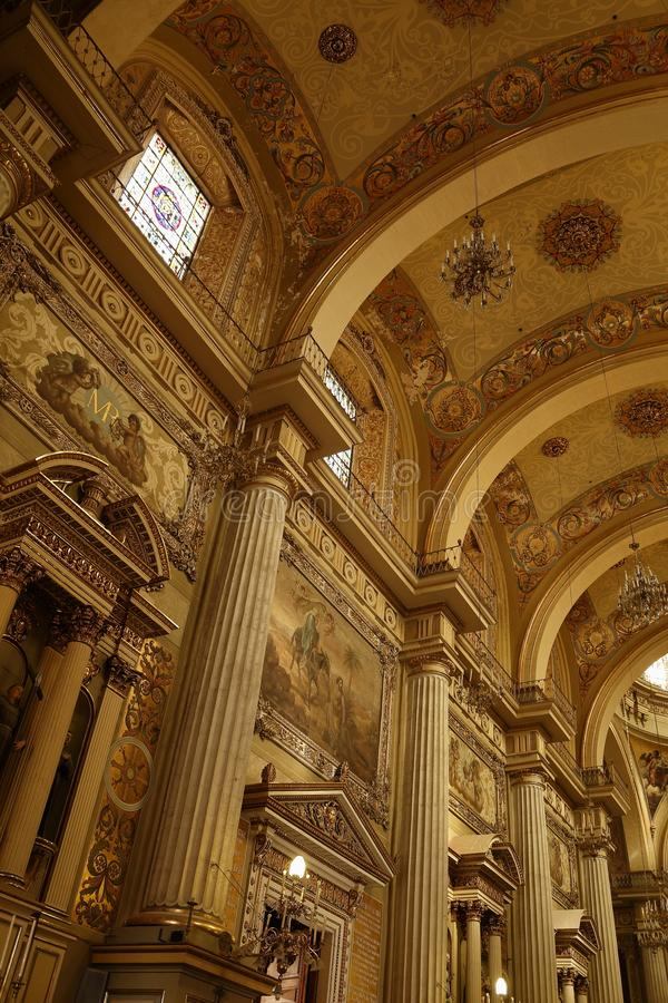 Bögen, Spalten und Wölbungen in der Kathedrale, Leon, Guanajuato stockbild