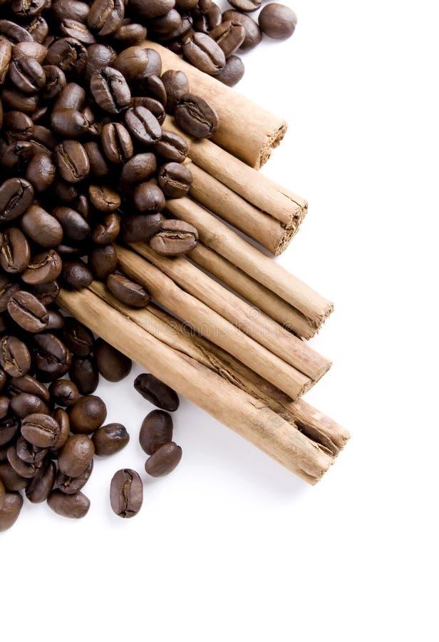 bönakanelkaffe arkivfoton