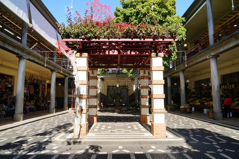Bönder marknadsför i den Funchal madeiran arkivbilder