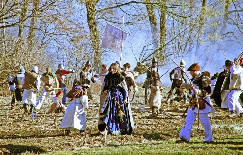 Bönders revolt a D 1573 , reenactment av den sista striden, hjältinna som går, 23, Stubica, Kroatien, 2016 royaltyfri fotografi