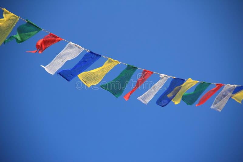 Bönflaggor i Nepal. royaltyfri fotografi