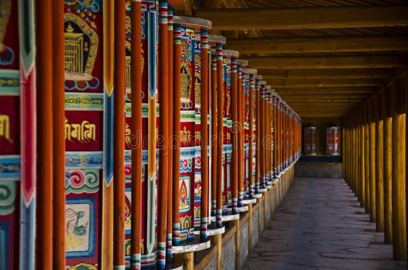 Bönhjul av Labrang Monastery arkivfoton