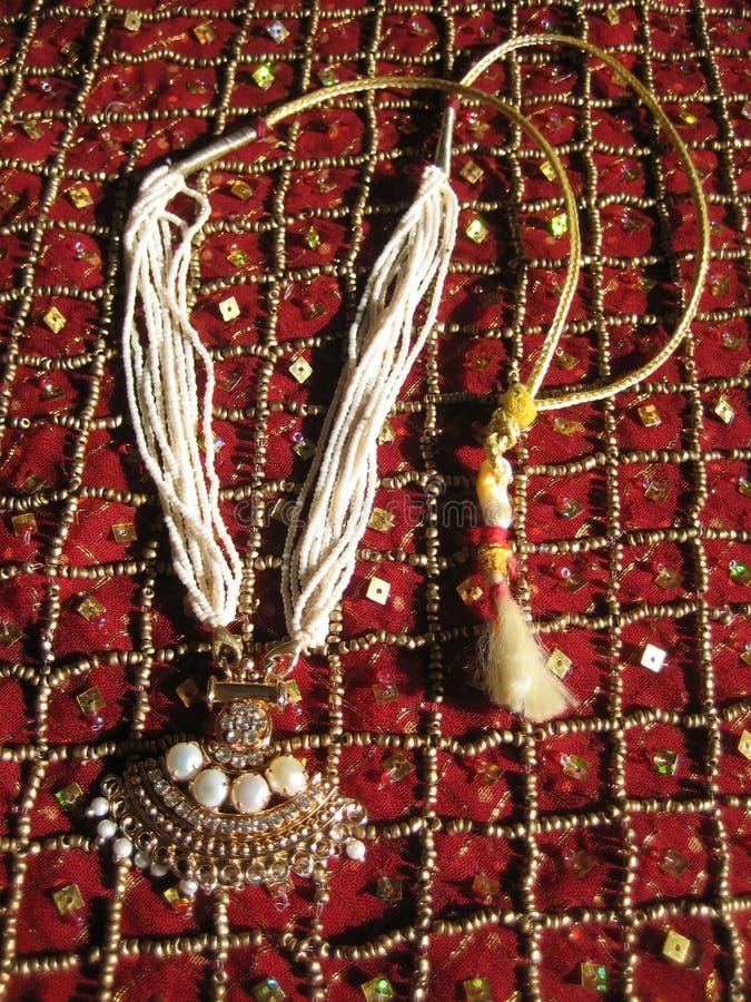 Bördelt Halskette stockbilder