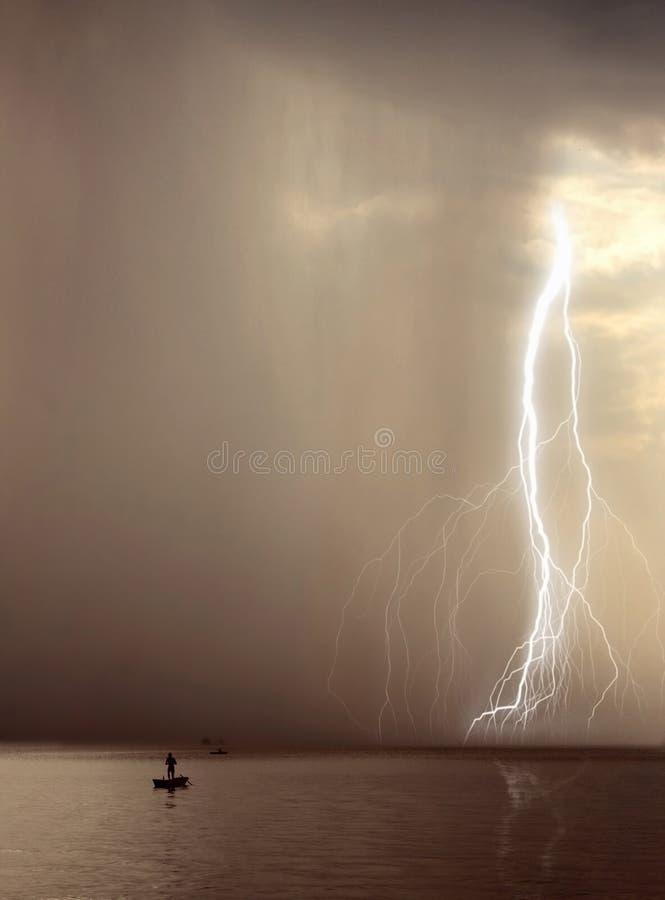 börjande storm arkivbild