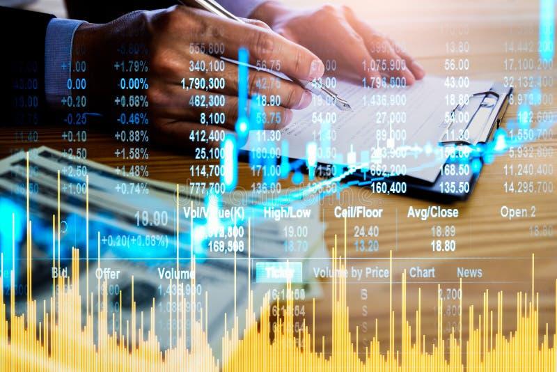 Börse oder Devisenhandelsdiagramm und -kerzenständer entwerfen passendes für Finanzinvestitionskonzept Wirtschaft neigt Hintergru lizenzfreie stockfotografie