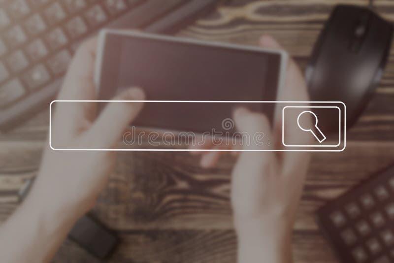 Búsqueda de concepto suave del vintage de la imagen del foco del concepto del establecimiento de una red de la información de dat foto de archivo