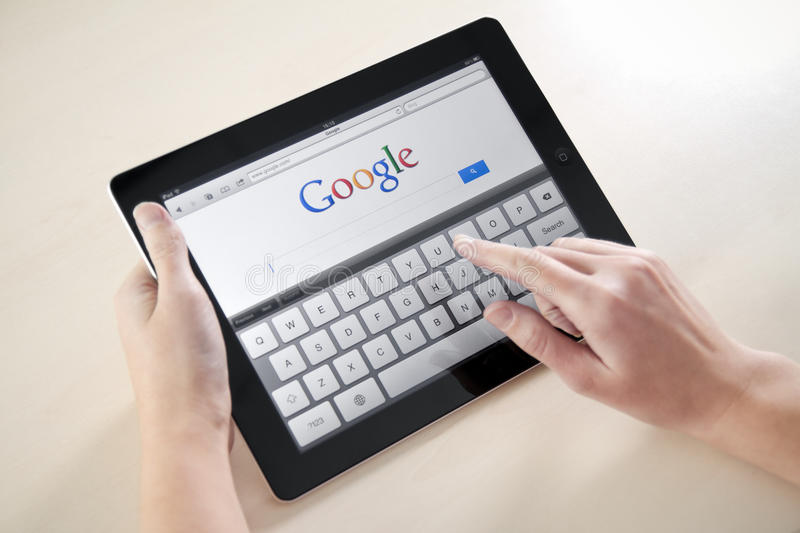 Búsqueda de Google en Apple iPad2 fotografía de archivo