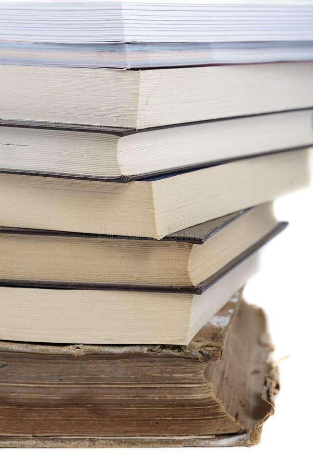 Bücher auf einem weißen Hintergrund lizenzfreies stockbild
