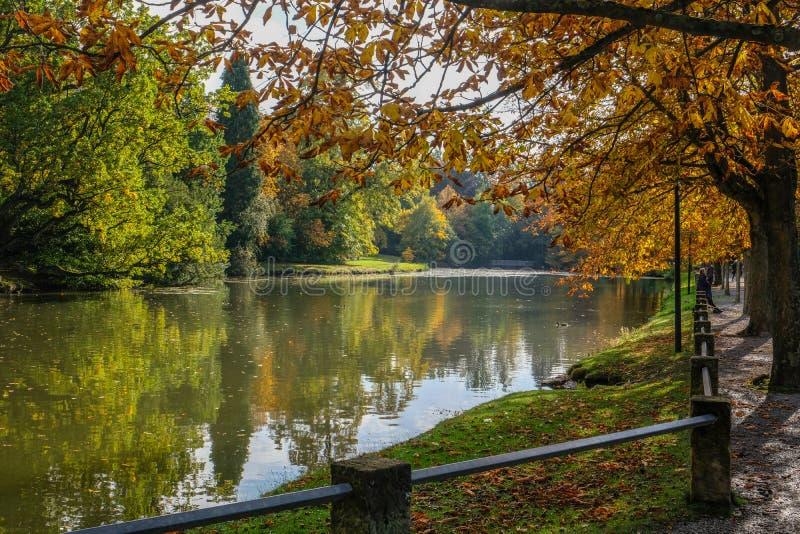 BÜCKEBURG/ALLEMAGNE - Octobre 2019 : Parc de Bückeburg/Bueckeburg en Allemagne images stock