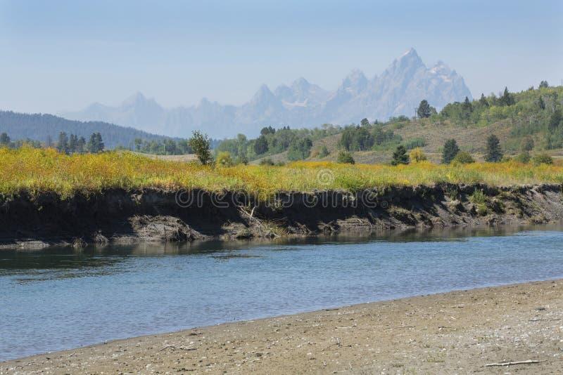 Büffel-Gabel-Fluss mit Teton-Bergen, Jackson Hole, Wyoming lizenzfreies stockfoto