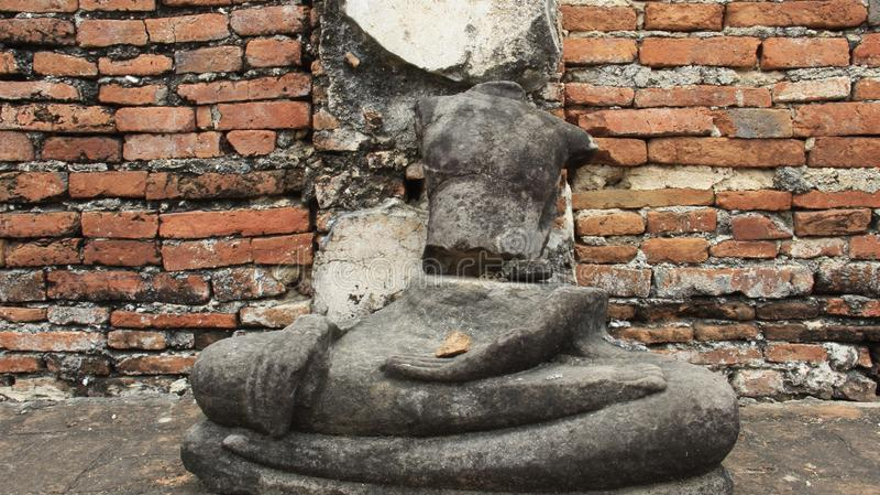 bügel Historischer Park mit alter Stein-Buddha-Statue stockfoto