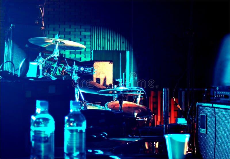Bühne hinter dem Vorhang stockfotos