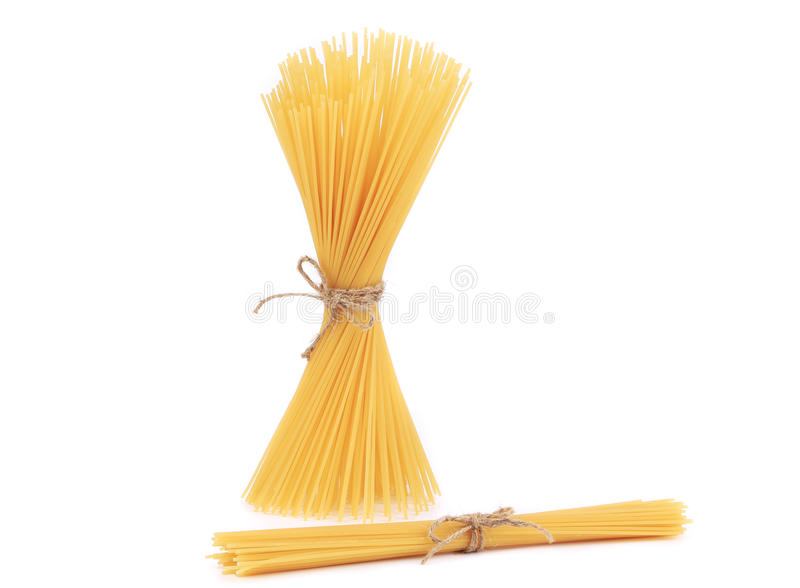 Bündel rohe italienische Spaghettis lizenzfreies stockbild