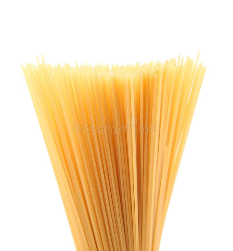 Bündel ungekochte Spaghettis. lizenzfreie stockfotos