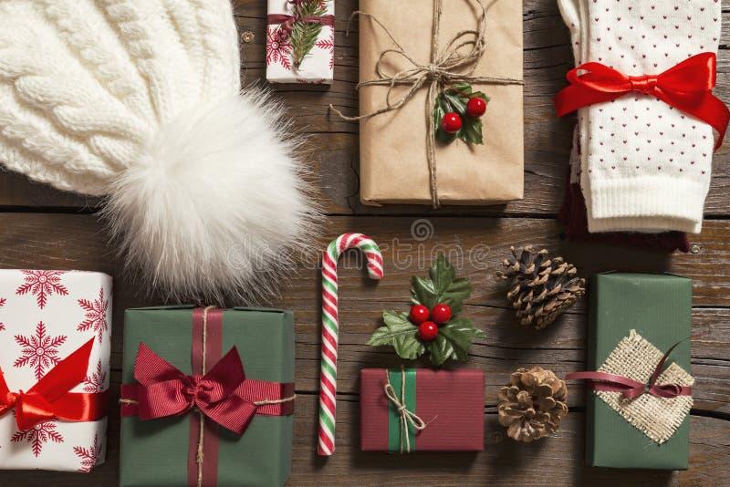 Bündel Weihnachtsgeschenke stockbilder