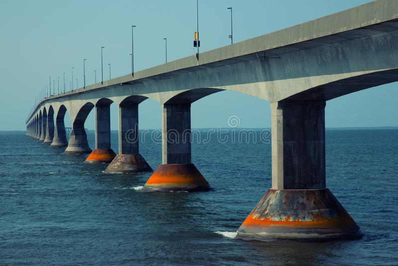 Bündnisbrücke in Insel Prinzen Edward in Kanada stockfotografie