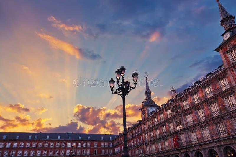 Bürgermeister Plaza - Madrid Spanien stockbilder
