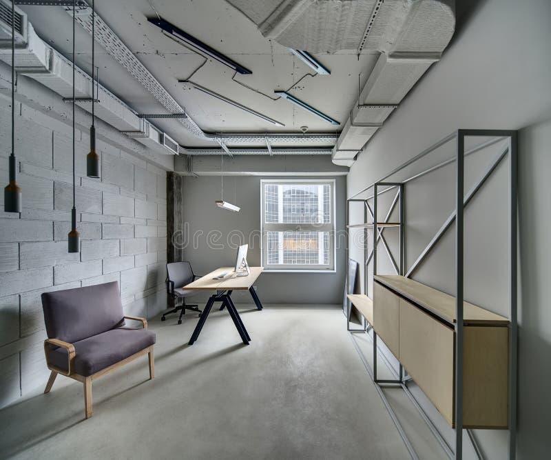 Büro in der Dachbodenart lizenzfreies stockfoto