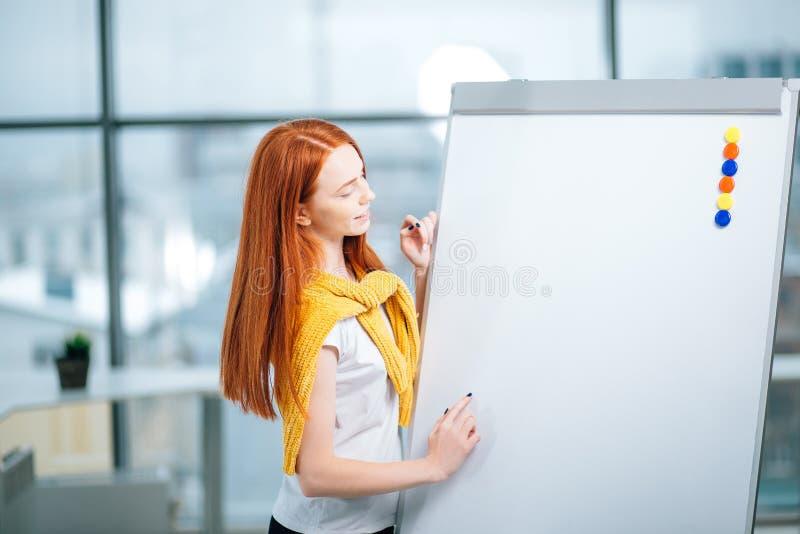 Büro, Geschäft, Leute und Bildungskonzept lizenzfreie stockbilder