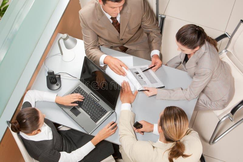 Büroarbeit lizenzfreies stockfoto