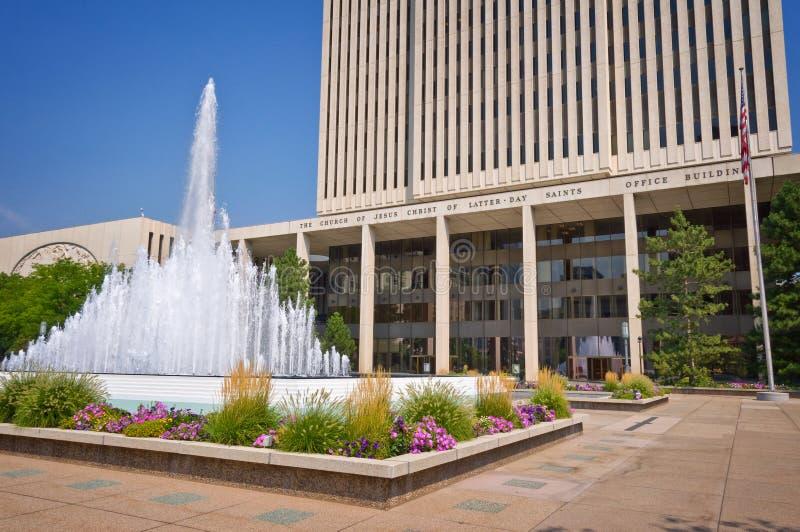 Bürogebäude der Kirche von Jesus Christus von neuzeitlichen Heiligen, die Mormonenkirche, auf Tempelquadrat auf Salt Lake City stockbild