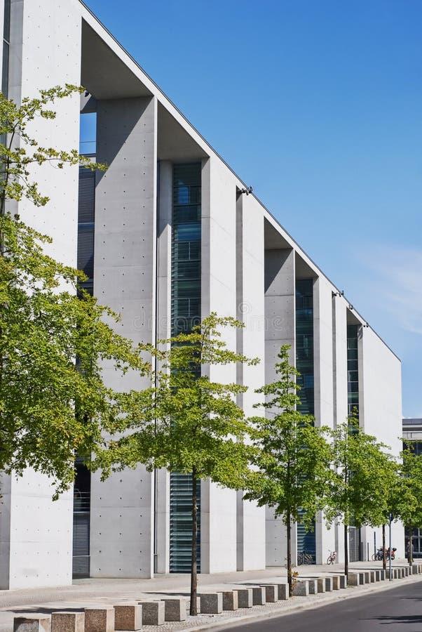 Bürohaus des Kanzlers in Berlin stockfotos
