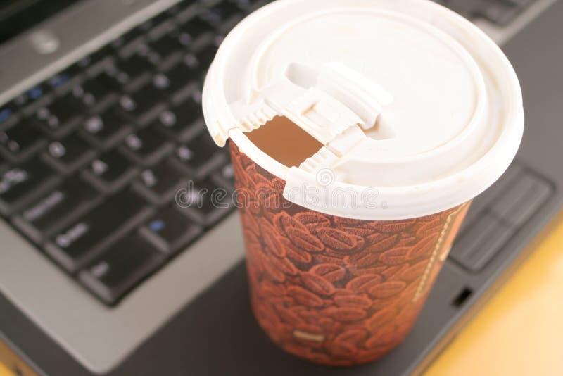 Bürokaffee lizenzfreie stockbilder