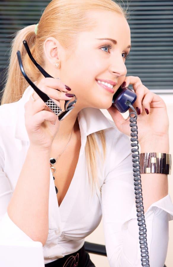 Büromädchen lizenzfreies stockfoto