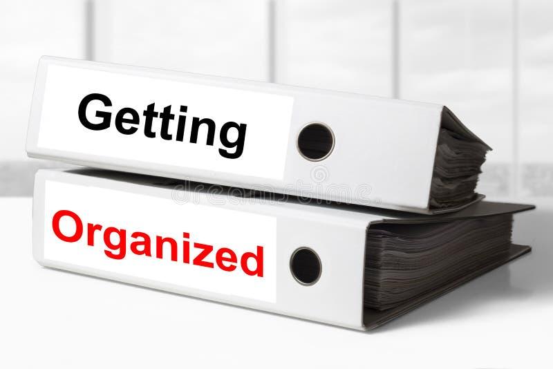 Büromappen, die organisiert erhalten stockbild