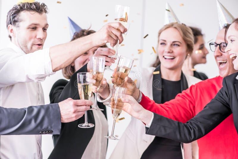 Büropartei des neuen Jahres stockbild