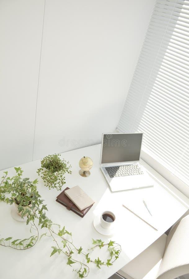 Büroschreibtisch stockfotografie