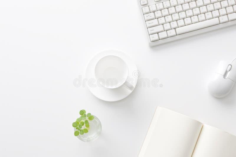 Büroschreibtisch lizenzfreie stockfotografie